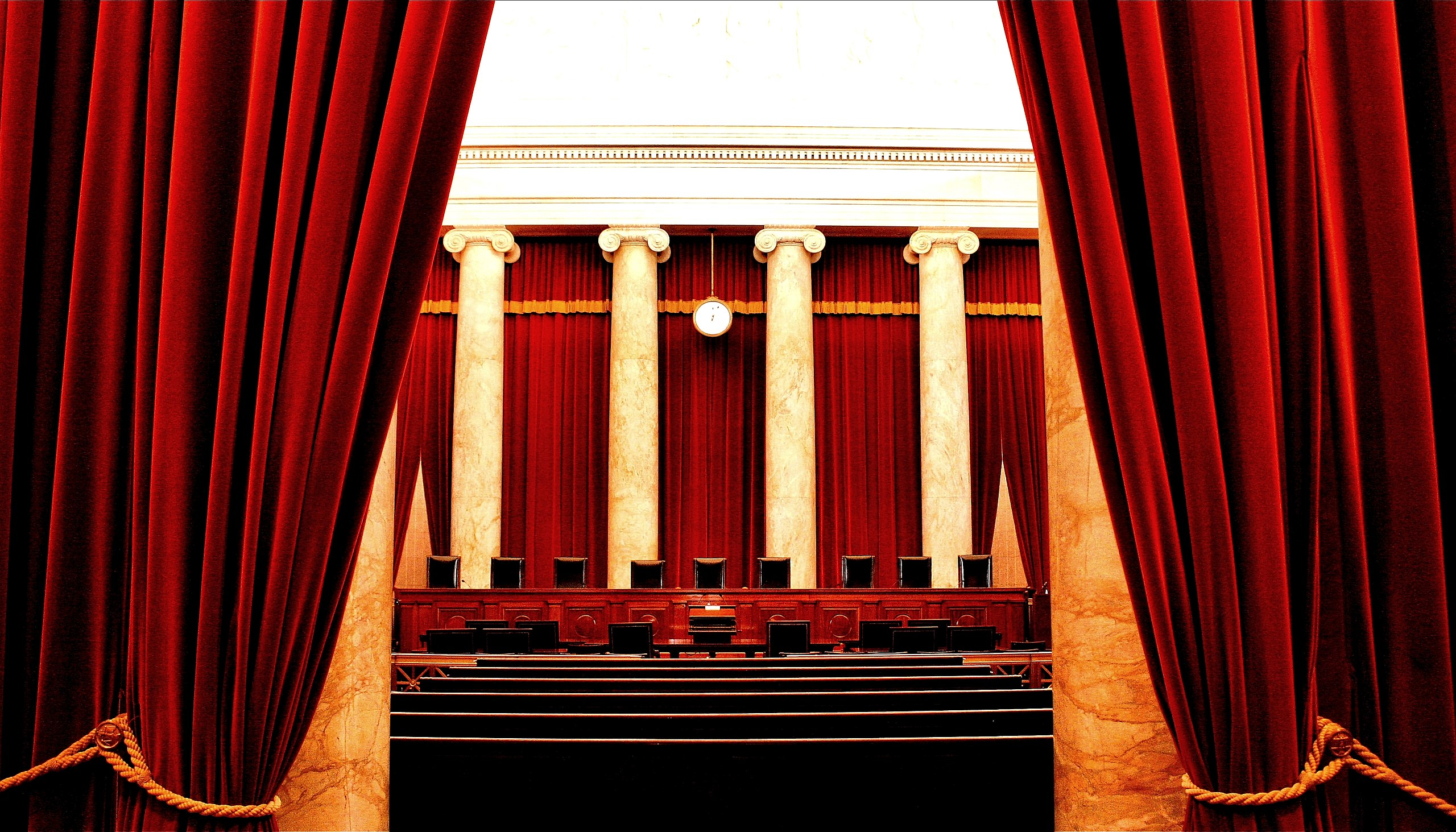 2560px-Inside_the_United_States_Supreme_Court