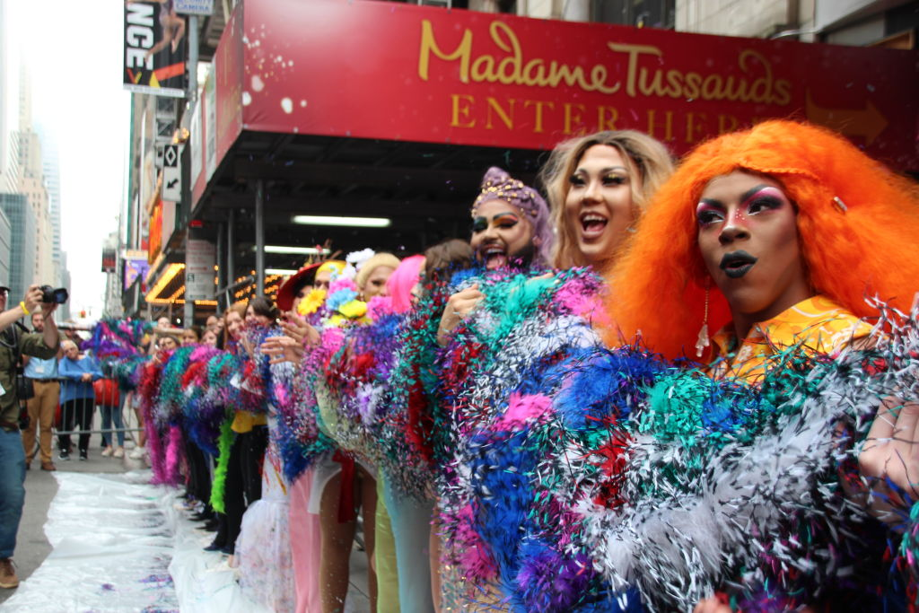 Longest rainbow-colored feather boa unveiled in New York
